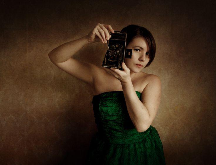Prosjekt 365 / 4 #365 #onephotoaday #FINISHED #selfportrait #photographer #camera #selfie #jorunlarsen #hildring #portrait #newyear photo @jorunlarsen