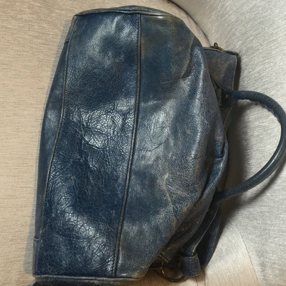 Balenciaga handbag Authentic Balenciaga Velo handbag, can be used as a tote it crossover bag.  Excellent condition barely was worn. Balenciaga Bags