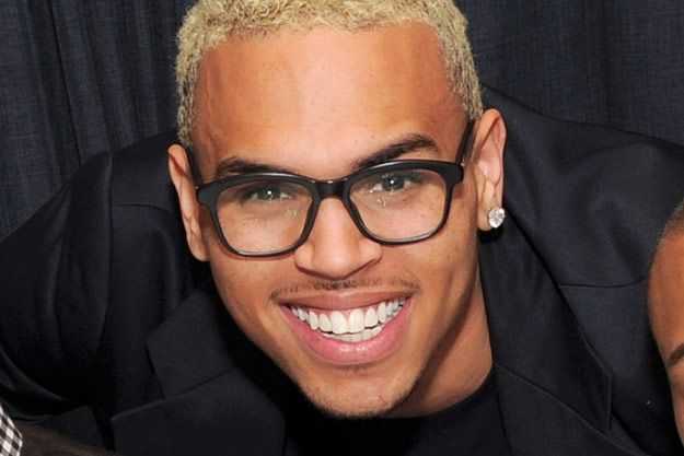 Chris Brown Biography like Sign Height, Family, Facts, Height, Weight Affairs, Personal life, Photos, Awards, Image, DOB, Controversies, Songs