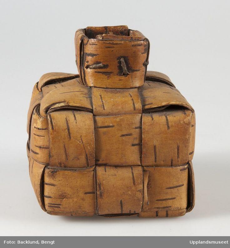 Birch bark bottle for ground coffee (late 1800s). collection: Upplandsmuseet. Photo by Bengt Backlund. via digitalt museum