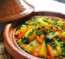 Recette - Tajine de carottes, petits pois et pommes de terre - Notée 4.3/5 par les internautes