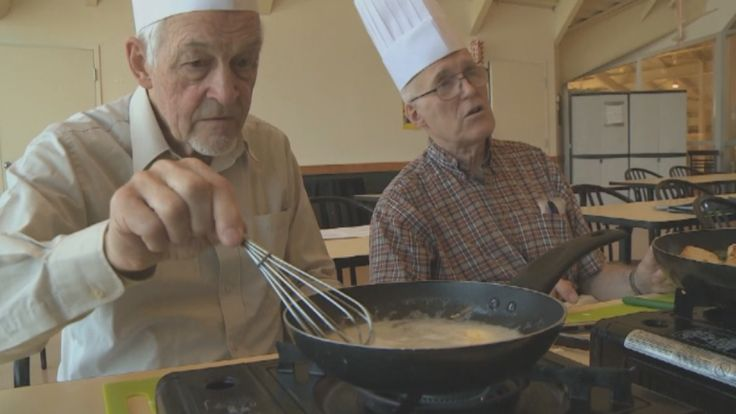 For an older generation of men who relied on their wives to cook, preparing a meal can be difficult. A Montreal Alzheimer's support group has an answer - it's offering cooking classes for men.