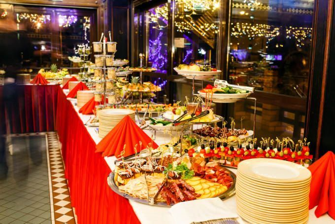 4 Things To Know In Order To Find The Best Wedding Catering Bestweddingcatering Weddingcatering Wedding Cat In 2020 Wedding Catering Raw Food Recipes Evening Meals