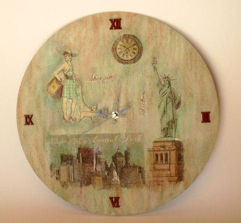 Decoupage σε ξύλινο ρολόϊ