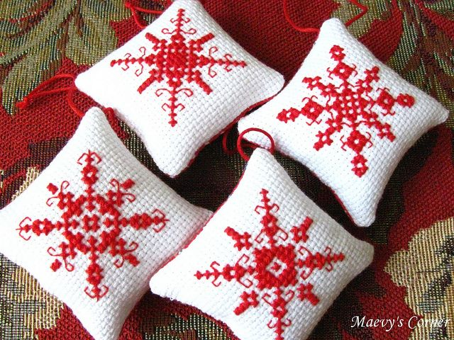 Cross-stitched snowflakes....so cute