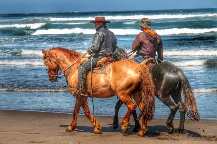 HDR Travel Pictures: Cabalgando en la playa