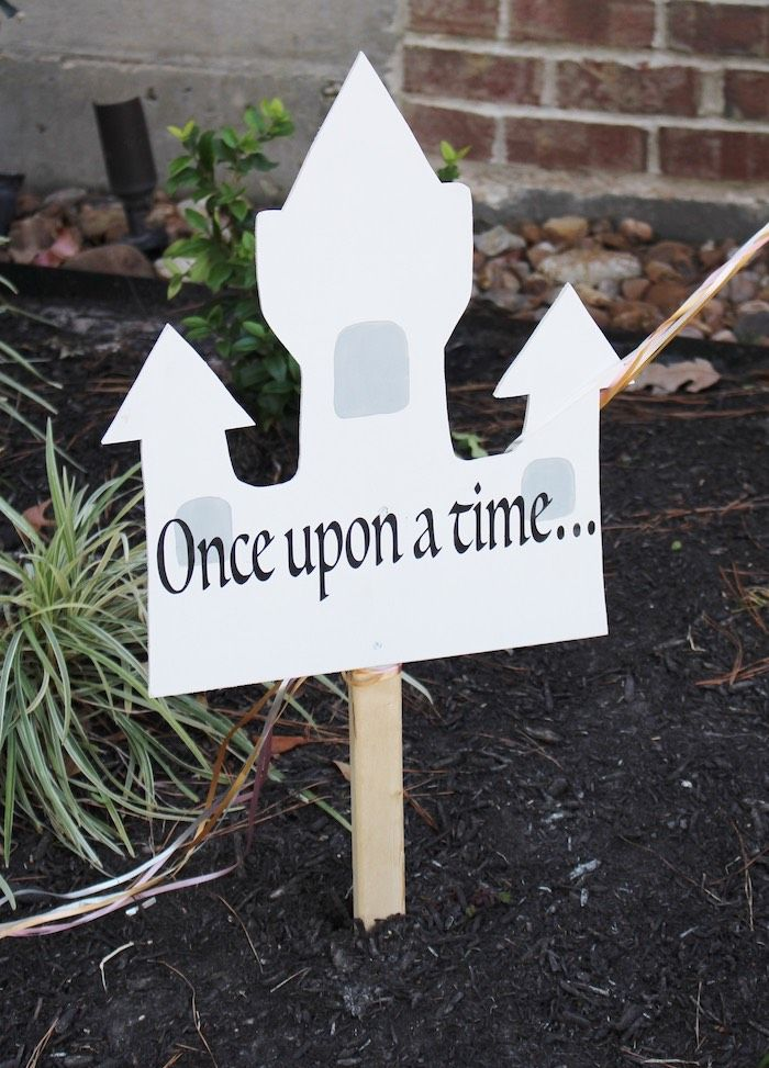 Castle Sign From A Princess Birthday Party Via Karas Ideas