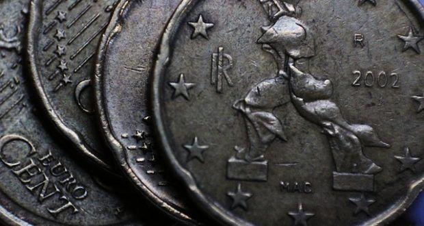 Italien dürfte zum neuen Griechenland werden. Die Wirtschaft darbt, die Banken sind im Krisenmodus und der Staatshaushalt ist marode. Eine sehr schlechte Mischung, die den Euro sprengen könnte.