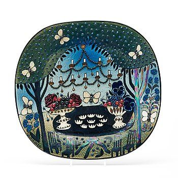 239. BIRGER KAIPIAINEN, A stoneware dish, Arabia, Finland.