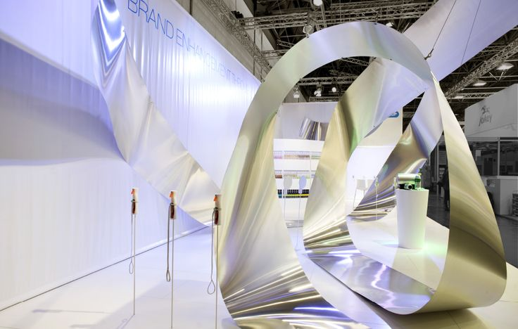 ©studiomfd product display, stand design, exhibition design, afa dispensing group, wave shape (www.studiomfd.com)