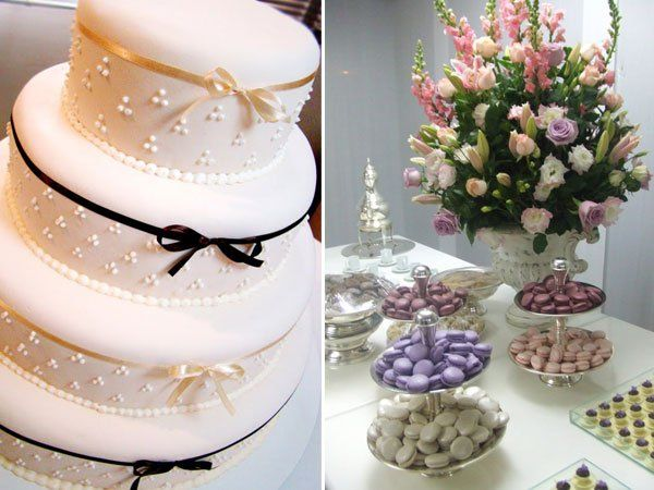 Bolo de casamento e mesa de doces com ar vintage