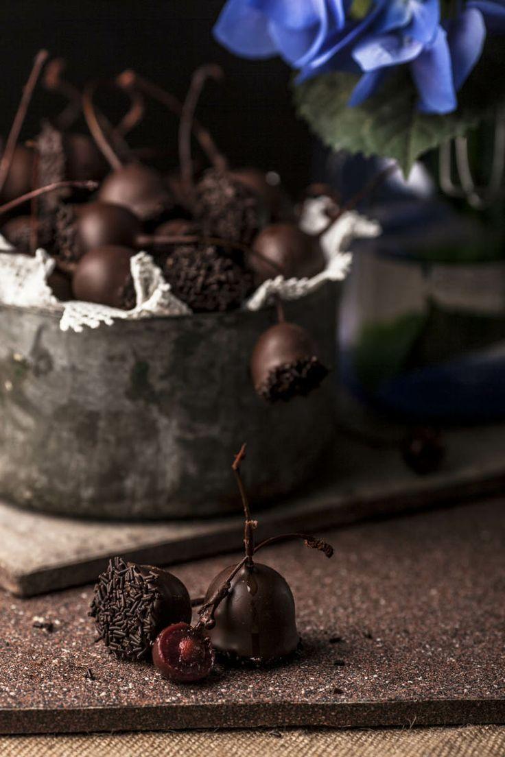 Βύσσινο ( Sour cherry ) chocolates with alcohol. Afoi Asimakopouloi, Athens http://asimakopouloi.com/