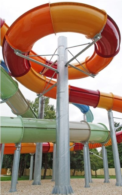 If we need a colourful photo of water slides, we know we can find it in our Bükfürdő album. This water park in Hungary has very beautiful water slides! #colorful #colorfulphoto #waterslides