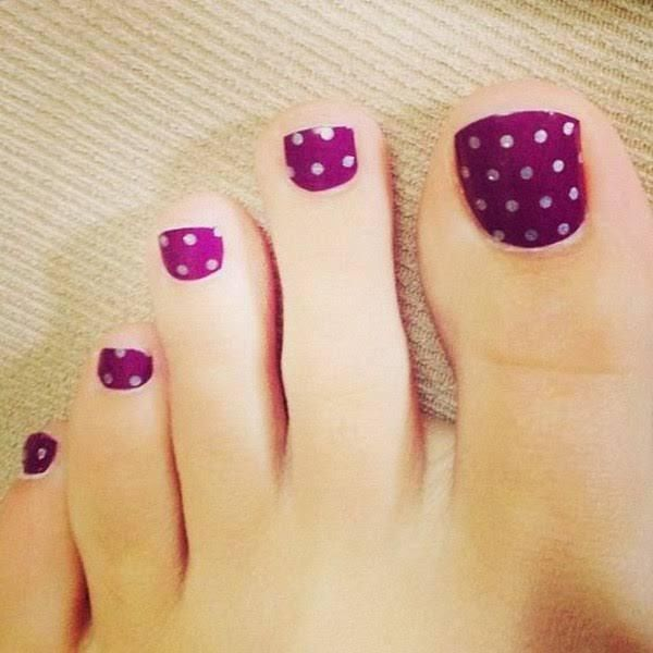 Polka Dots on Purple Toe Nails.