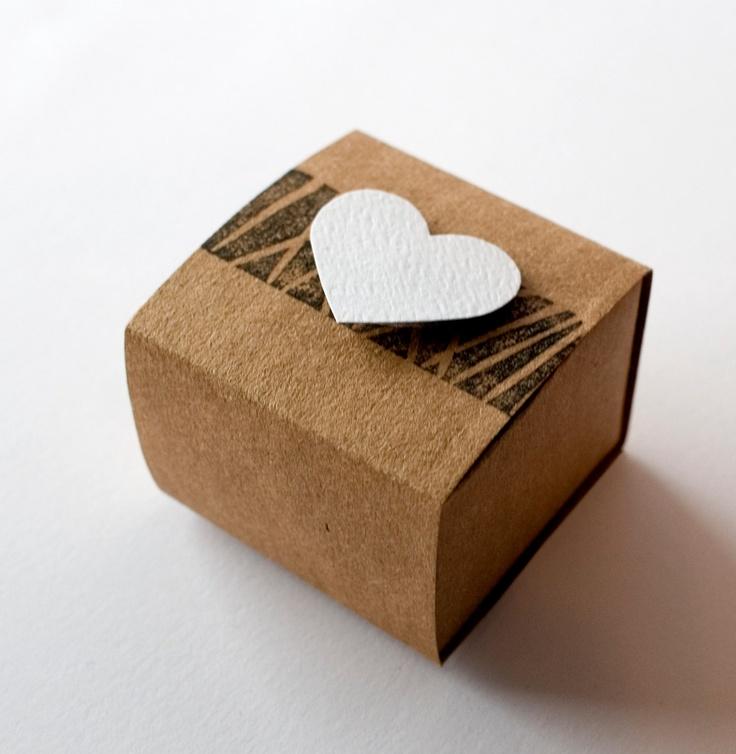 Handmade Grocer bag Favor box - handmade - Natural wedding - paper goods - Rustic wedding favor - Kraft wedding favor. $0.70, via Etsy.