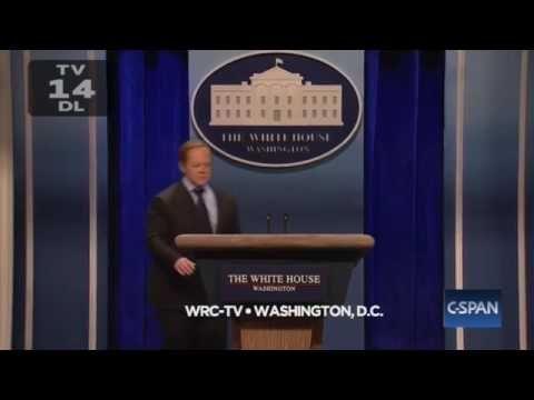 'SNL': Melissa McCarthy's Sean Spicer Hit White House Press with Podium - YouTube