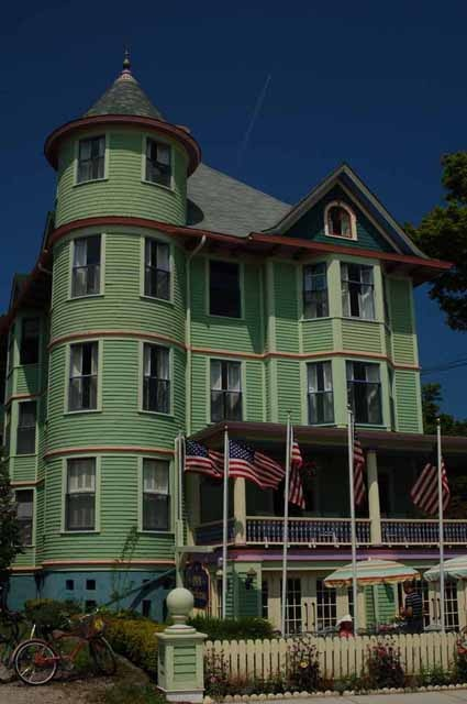 Image detail for -One of many old Victorian homes on Mackinac Island... I love the green!