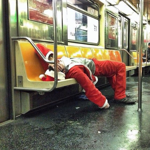10 Pro Tips for Surviving SantaCon 2015 | spoiled NYC