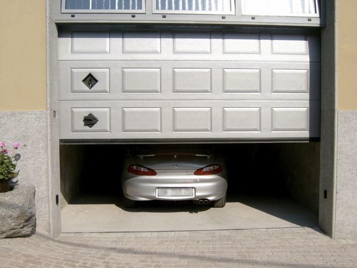 Portone sezionale IRIS by Breda e Hyundai.  #BredaLoveCars #portoni #sezionali #garage #doors #breda