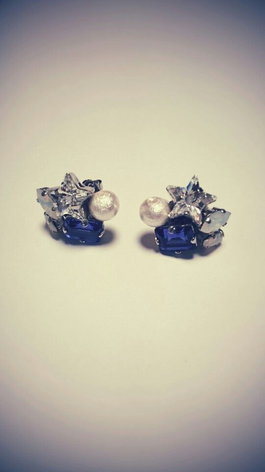bijou pierced earrings...silver star...☆