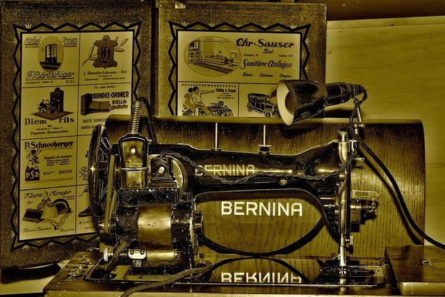 Les 165 meilleures images du tableau ic stroje sur for Machine a coudre 217