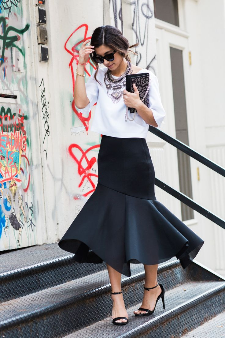 OOTD: This Time Tomorrow Has a Flare for the Dramatic #RueNow