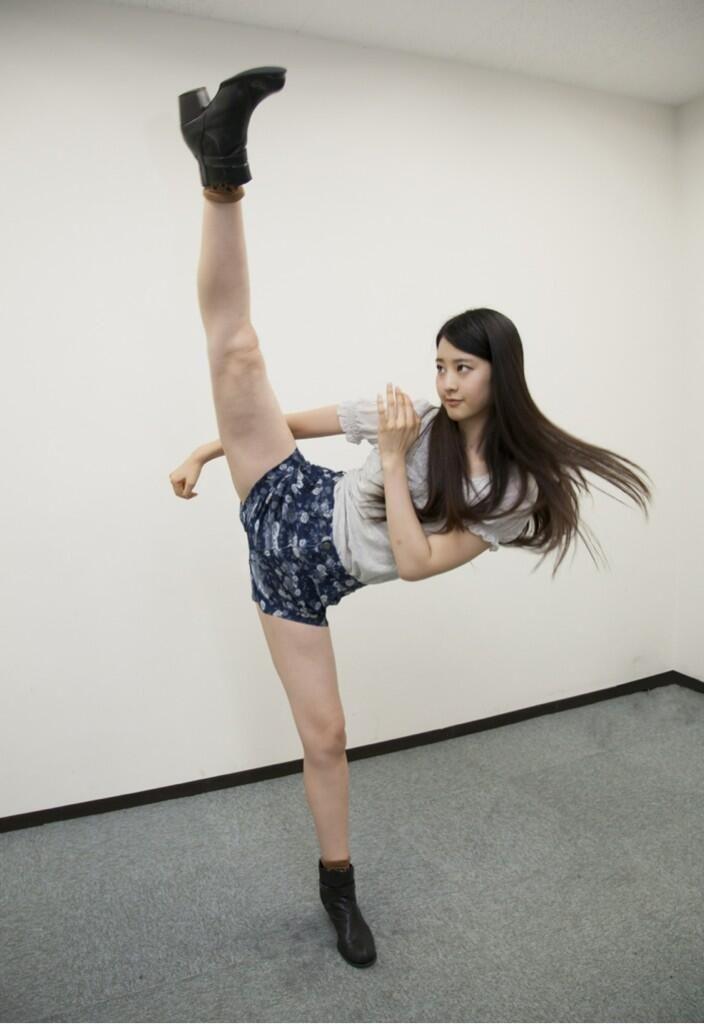 Twitter / wildakagi: 信じられない高さのハイキック!身長170cmのモデルでフルコ ...
