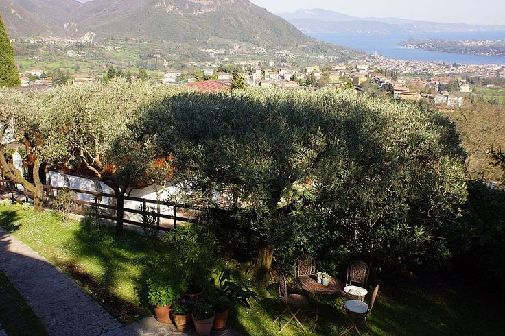 Villa 'Giardino' - Villa near Salo, Lake Garda, Lombardy, Italy. Holiday villa for rent with the added security of our fraud protection.
