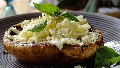 Basil & Mozzarella Braai Mushrooms
