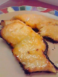 美味しい西京漬けのレシピです。この味噌の配合は他の魚や肉等にも使えて、魚を食べやすく柔らかくなりお弁当にも美味しいです。