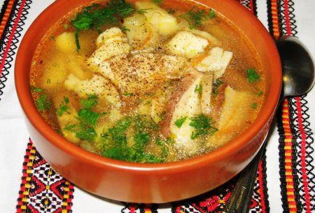 Суп с белыми грибами и картофельными галушками.     Ингредиенты  Грибы белые свежие – 500 г. Грибы белые сухие – горсть. Лук репчатый – 1 шт. Морковь – 1 шт. Масло сливочное – 2 ст. ложки +2 ст. лож…