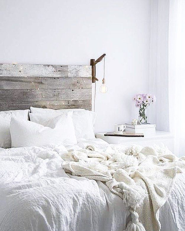 Mon idéal de chambre en une image  Du cozy de la lumière du blanc un tas doreiller et des couvertes dans lesquelles on y passerait des jours! #NotMyPicture #NotMyPhoto - Architecture and Home Decor - Bedroom - Bathroom - Kitchen And Living Room Interior Design Decorating Ideas - #architecture #design #interiordesign #diy #homedesign #architect #architectural #homedecor #realestate #contemporaryart #inspiration #creative #decor #decoration