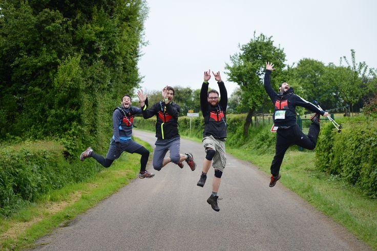 Une équipe de marcheurs motivés par le défi sportif et solidaire que représente le Trailwalker.