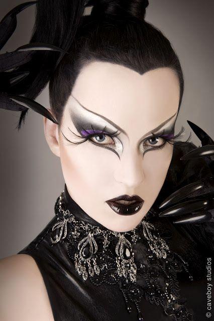 Amazing make up....love it...Simply Bizzare