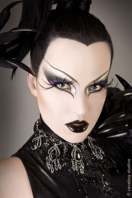 Amazing make up....love it...Simply Bizzare