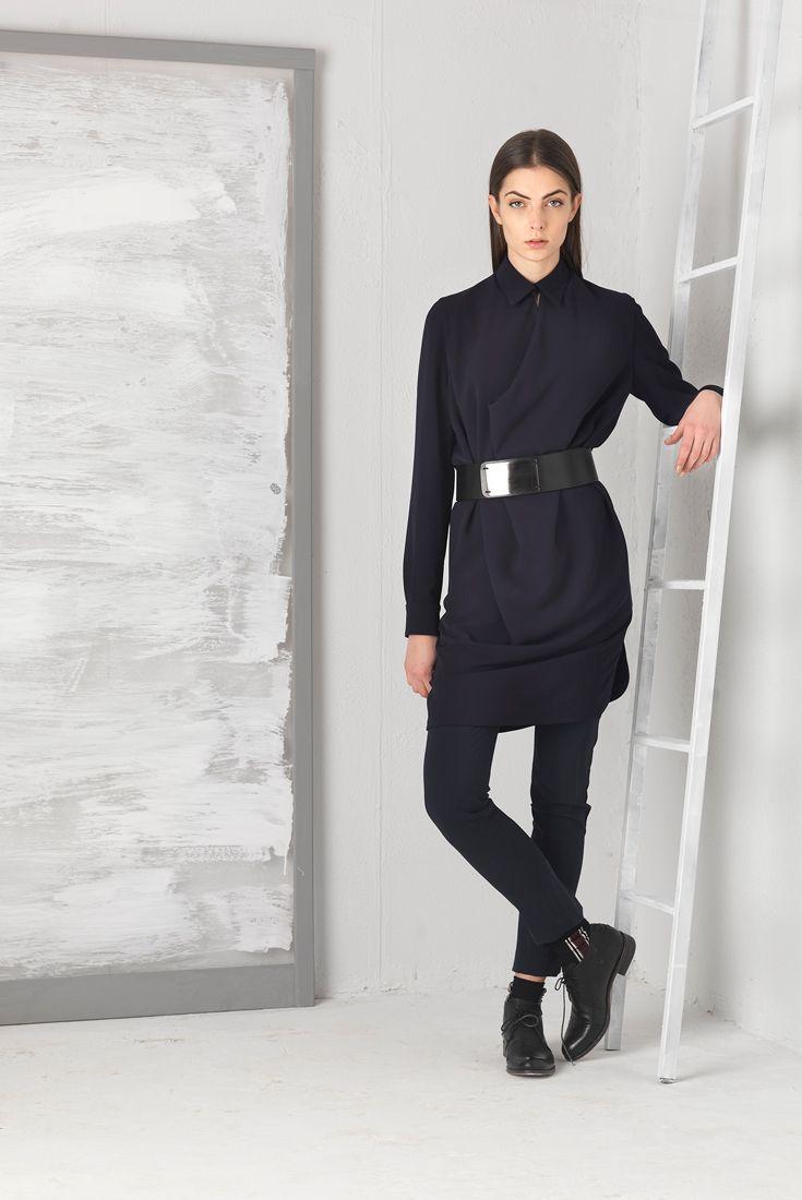 Malloni abito manica lunga e collo chemisier. Total look store.malloni.com // Malloni black dress chemisier. Buy it on strore.malloni.com