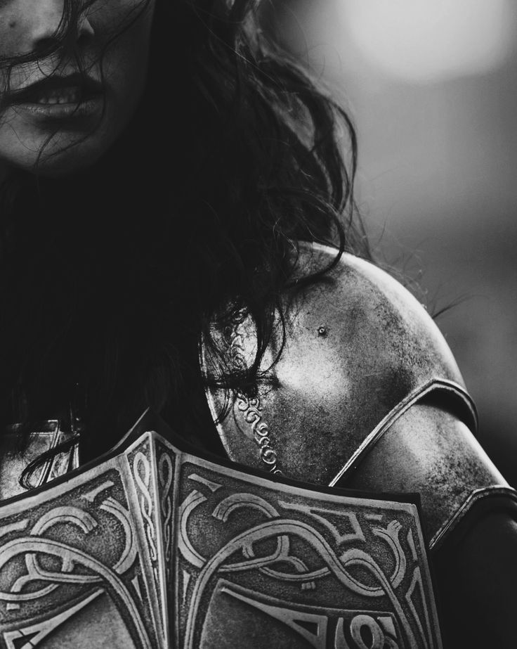 Female knight in armour, face close up | Visual writing prompt & woman character inspiration | Girl warrior | Medieval knight gender bender | Fantasy setting idea | Book prompt