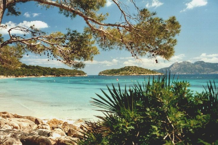 Vols d'avril à octobre, à partir de 34.99 € l'aller-Palma de Majorque, la capitale des Baléares
