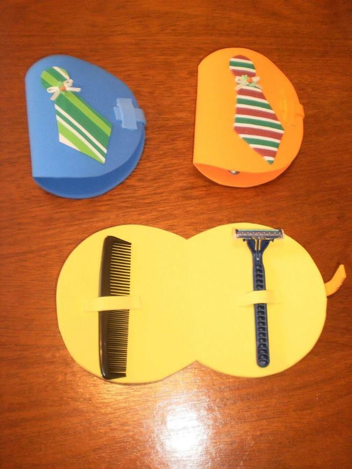 Mais de 20 modelos de lembrancinhas para o dia dos pais com moldes em EVA. Tem chaveiros, cartões, sacolas, embalagens de presentes, porta...