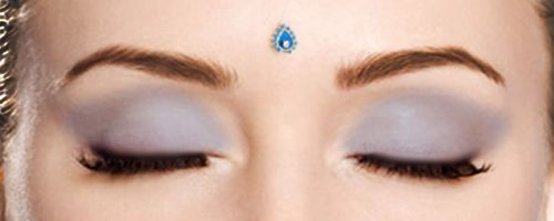 I'd love to get the bindi piercing!