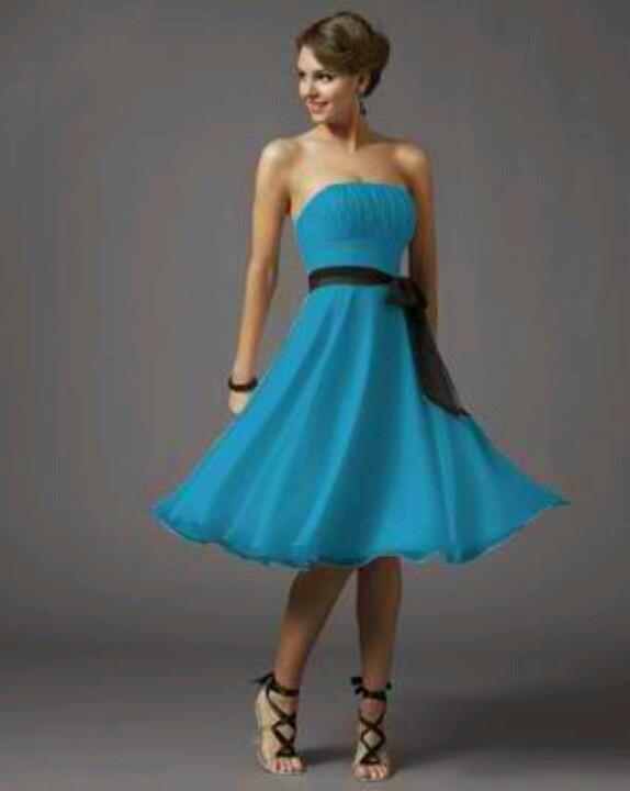 Blue bridemaids dress con un cinturon naranja! Para resaltar jaja