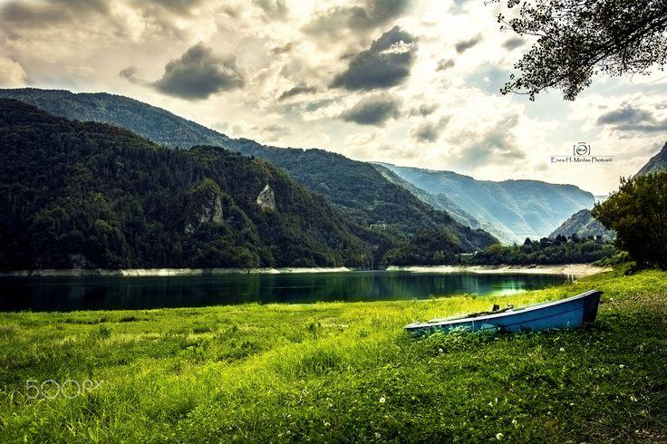 Lake of Corlo - Taken to Arsiè - Belluno italy  Follow me also on: Fb:facebook.com/enea.mds Twitter twitter.com/EneaHany Instagram: eneah.px Google+:plus.google.com/u/0/+EneaMedas Flickr : flickr.com/photos/eneahanyphotos/