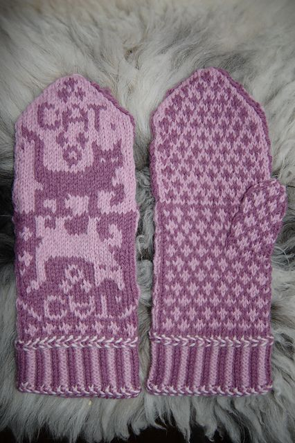 "Ravelry: Cat Mittens ""Cat Narcissusa"" pattern by Connie H Design"