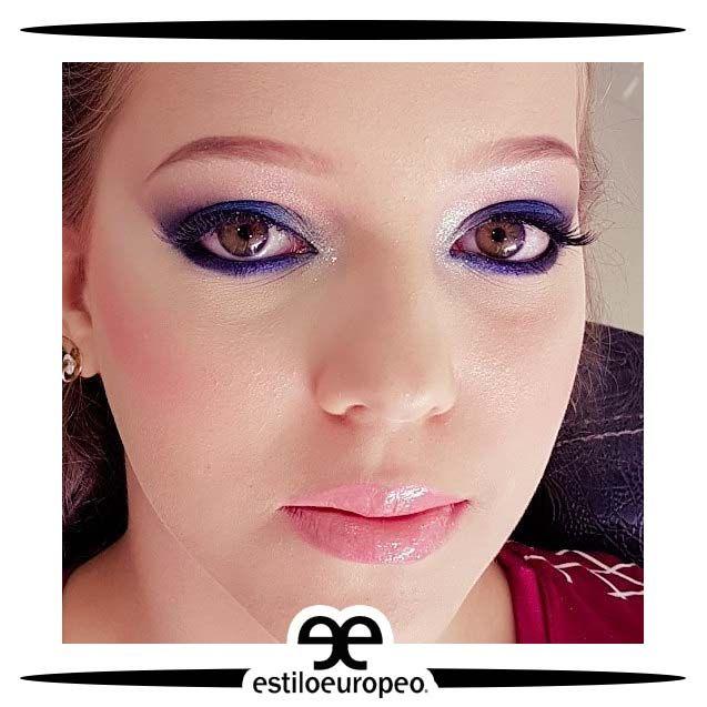 ¡Buenos días, #FelizJueves! Iniciamos una linda mañana con un maravilloso maquillaje donde se destacó la mirada de nuestra cliente con una tonalidad morada encantadora  Te esperamos Programa tus citas: 3104444 - 3015403439 Visítanos: Cll 10 # 58-07 Sta Anita . . . #Peluquería #Estética #SPA #Cali #CaliCo #PeluqueríaEnCali #PeluqueríasEnCali #BeautyHair #BeautyLook #HairCare #Look #Looks #Belleza #Caleñas #CaliPeluquería #CaliPeluquerías #SpaCali #EstéticaCali #MakeUp #CámarasDeBronceo…