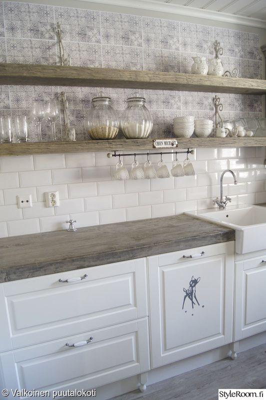 keittiön säilytys,keittiö,keittiön työtaso,laatikosto,hylly