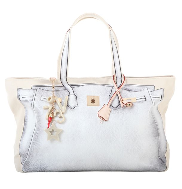 #V73 New Classic 05 #White #Bag #Shop online: https://www.v73.us/classic-icone/new-classic05 Concealed magnetic snap closure, PU printed pattern in both sides, Four internal patch pockets, Two internal zip pockets, Fully lined, Charm shown in photo included, Metal feet at the base, 100% COH: 35 cm W: 55 cm D:18 cm