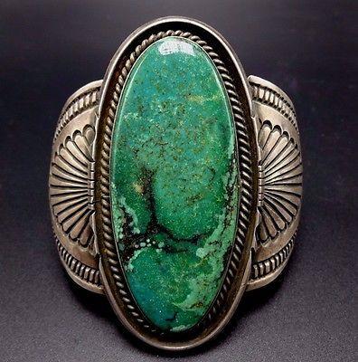 Spectacular-Vintage-NAVAJO-Stamped-Sterling-Silver-GREEN-VARISCITE-Cuff-BRACELET