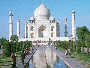 Az iszlám építészet  remeke: palota a mai India területén