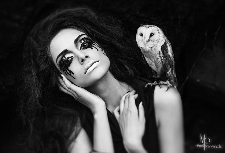 This shot wouldn't be possible without the help of Rabi and his beautiful birds at Featheredfriends.com.au  #Moana Barroso Photography #Angie Y #Make up artist #Model #Zinnia #owl #b&w #photography #featheredfriends