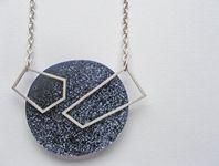 Block neckpiece